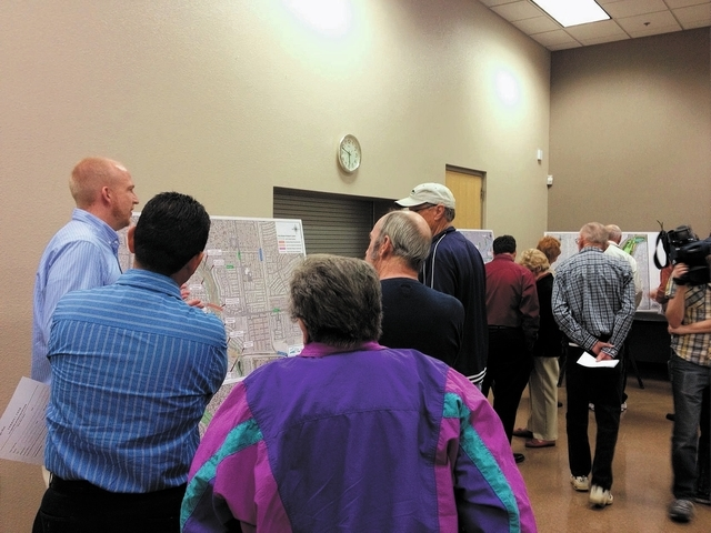 Residents look at maps detailing the Las Vegas Wash project during a Nov. 13 meeting at the Hollywood Community Services Center, 1650 S. Hollywood Blvd. (Sandy Lopez/View)