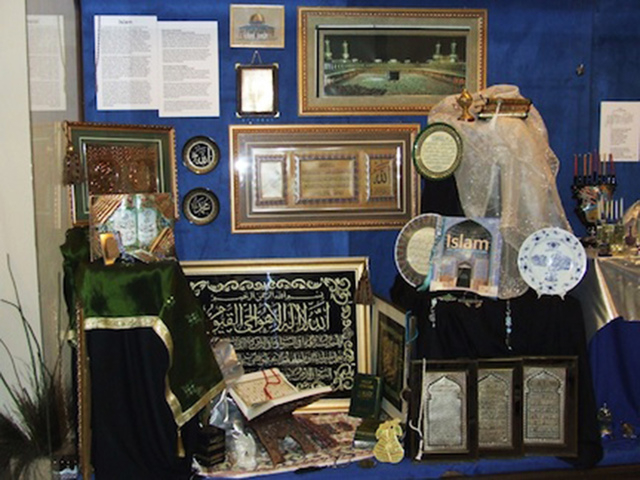 A display case at the Las Vegas Natural History Museum, 900 Las Vegas Blvd. North, shows items related to Islamic winter holiday celebrations during the Las Vegas Cultural Corridor's December to R ...