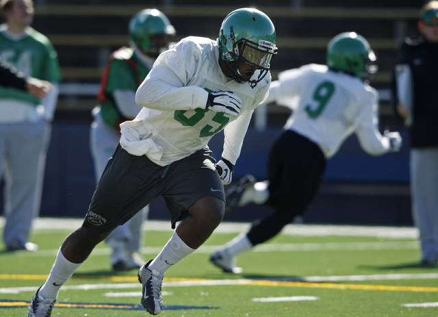 North Texas linebacker Zach Orr runs a drill during practice Monday at Highlander Stadium in preparation for the Heart of Dallas Bowl. (John Locher/Las Vegas Review-Journal)