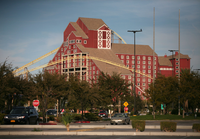 Buffalo Bill's hotel-casino is in Primm, one mile from the California-Nevada state line and is located next to the Ivanpah Dry Lake. (Ronda Churchill/Las Vegas Review-Journal)