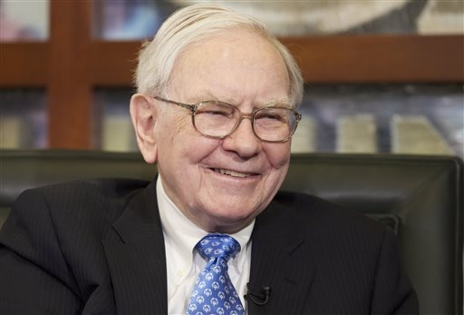 "Warren Buffett's Berkshire Hathaway will team with Quicken Loans on the ""Billion Dollar Bracket Challenge."" (AP Photo/Nati Harnik)"