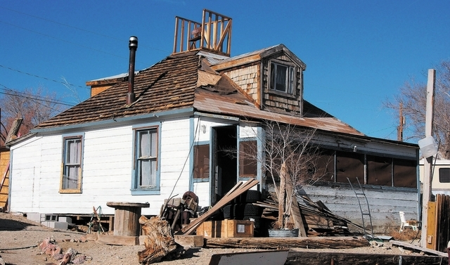 Locals in Silver Peak, Nev., say that murder suspect Jason Taaffe lived in this house, seen Tuesday, Dec. 31, 2013. Colman Ward has been arraigned for the murder of her husband Charles Kinkel III. ...