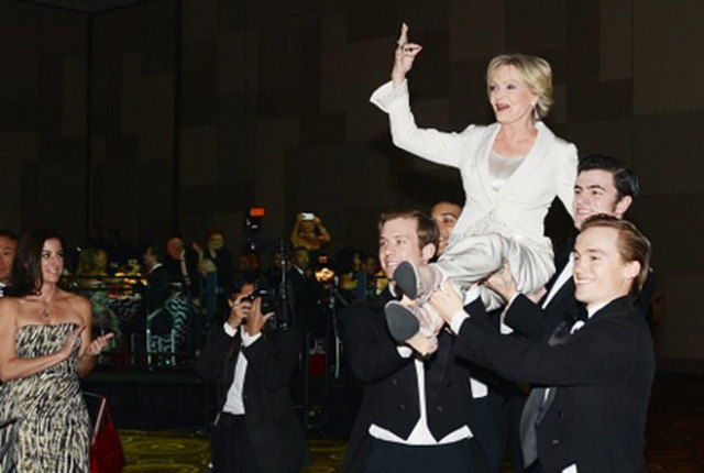 Florence Henderson is carried into Saturday's Woman of the Year gala by the Nevada Ballet Theatre. (Denise Truscello/WireImage)