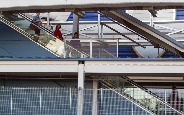 Las Vegas Monorail passengers arrive at the Las Vegas Hotel & Casino stop on Wednesday. (Chase Stevens/Las Vegas Review-Journal)
