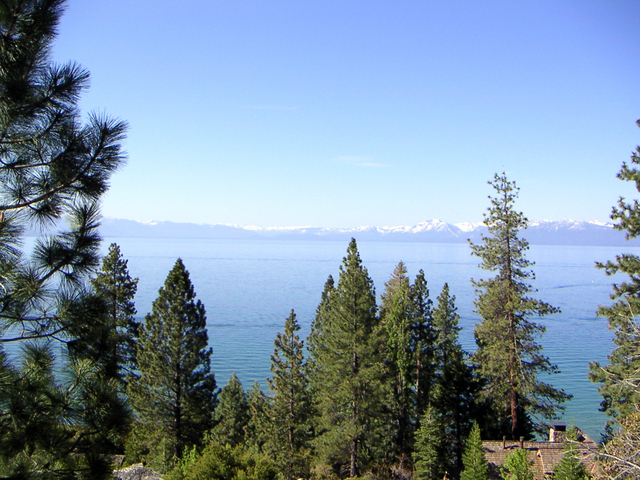 ANNE FLIPPIN/REVIEW-JOURNAL Lake Tahoe is shown in this photograph from 2006.