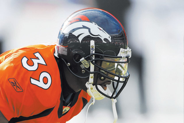 Former Broncos defensive back Vernon Fox warms up before a Dec. 7, 2008, game against the Kansas City Chiefs at Denver's Invesco Field. Fox left the NFL after the 2009 season. (Eric Bakke/Specia ...