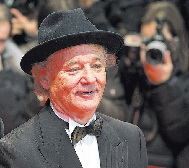 Bill Murray once worked in a Little Caesars restaurant in Chicago with celebrity chef Kerry Simon, back when Simon was 15. Simon says he suggested Murray should become a chef. Murray chose show bu ...