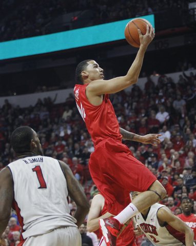 New Mexico's Kendall Williams (10) drives against UNLV during their basketball game at the Thomas & Mack Center in Las Vegas on Wednesday, Feb. 19, 2014. (Jason Bean/Las Vegas Review-Journal)