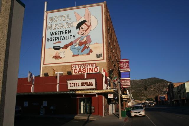 Nevada Regulators Rove Gaughan Gaming S Deal For Hotel Las Vegas Review Journal
