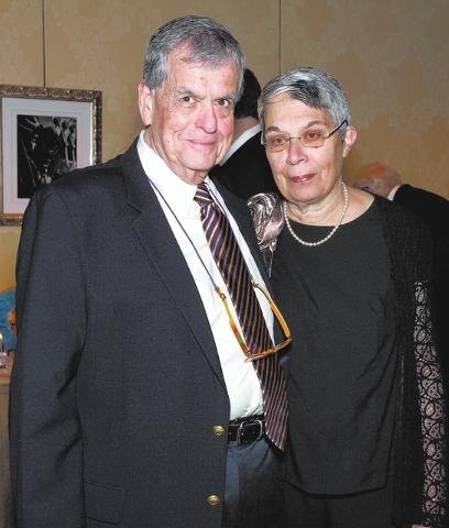 MARIAN UMHOEFER/REVIEW-JOURNAL Aaron and Menucha Ciechanover