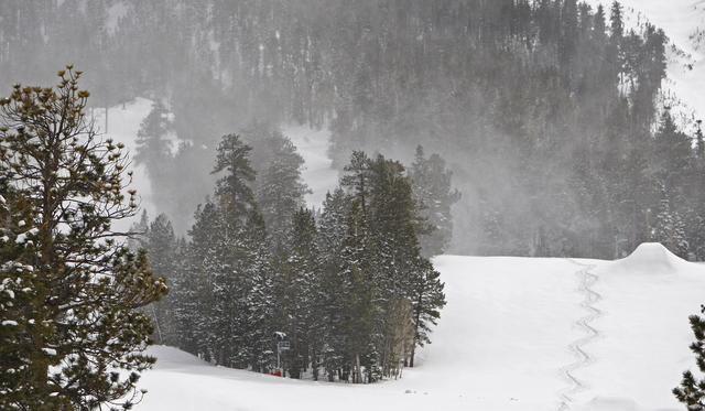 Snow blowing at Mount Charleston. (File, Las Vegas Review-Journal)