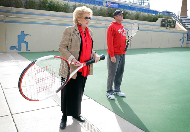 Las Vegas Mayor Carolyn Goodman, left, handles an oversized tennis racket as Jeff Foley, Darling Tennis Center director of tennis, looks on after a news conference announcing Las Vegas' newest pro ...