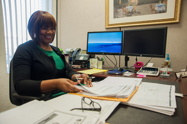 One Nevada Credit Union employee Shelia Cannon works on accounts inside the One Nevada Credit Union home offices in Las Vegas, Thursday, Jan. 16, 2014. (Martin S. Fuentes/Las Vegas Review-Journal)
