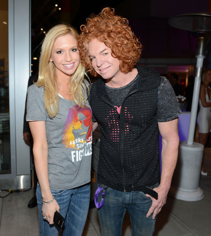"Amanda Hagen and Carrot Top attend ""Simon Says Fight MSA"" benefit concert at The Keep Memory Alive Center in Las Vegas on February 27, 2014 in Las Vegas, Nevada.  (Photo by Denise Truscello/WireImage)"