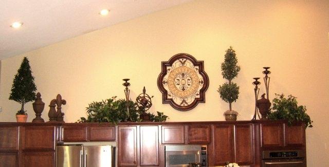 High Pot Shelf Creates Decorating Opportunity Las Vegas Review Journal