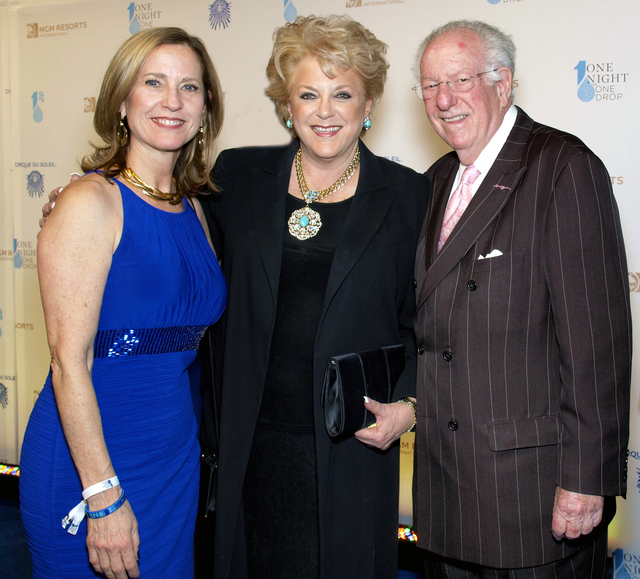 Julie Murray, from left, Mayor Carolyn Goodman and Oscar Goodman (Marian Umhoefer/Las Vegas Review-Journal)