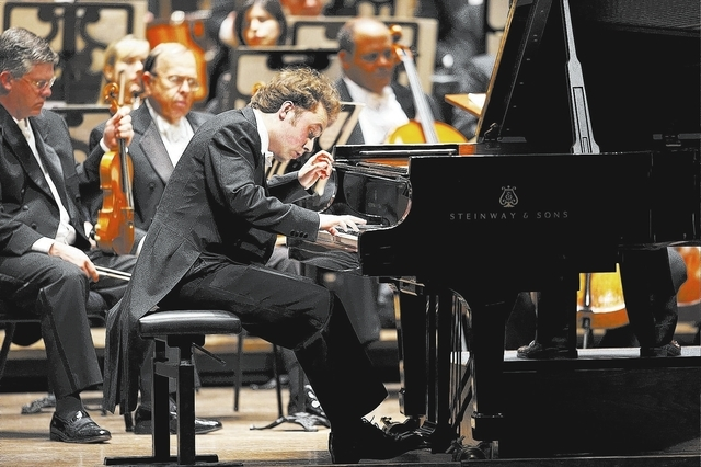Winner of the 2011 Cleveland International Piano Competition The Cleveland Orchestra Christopher Wilkins, conductor Alexander Schimpf (Beethoven, Concerto No. 4) Photo by Roger Mastroianni