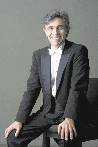 Guest conductor David Lockington makes his second Smith Center visit to lead the Las Vegas Philharmonic. Photo credit: Adrian Mendoz.