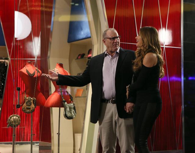 """Jay (Ed O'Neill) and Gloria (Sofia Vergara) shop at Mandalay Bay in the """"Las Vegas"""" episode of """"Modern Family."""" (Ronda Churchill/ABC)"""
