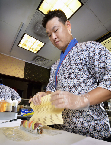 Chef Jin Chang prepares the Blue Fin Special at Blue Fin Sushi at 3980 E. Sunset Road in Las Vegas on Saturday, Feb. 22, 2014. (Bill Hughes/Las Vegas Review-Journal)