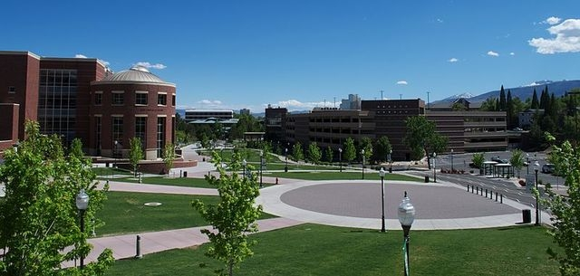 University of Nevada, Reno. Campus in front of Matthewson-IGT Knowledge Center (Dmiat/Wikimedia)