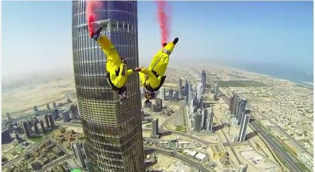 (Credit: Skydive Dubai/YouTube)