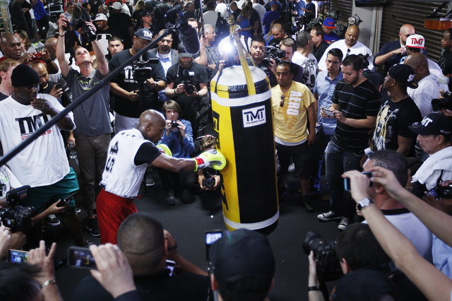 Boxer Floyd Mayweather Jr. works out in front of the media in preparation for his upcoming fight against Marcos Maidana at his gym in Las Vegas on April 22, 2014. (Jason Bean/Las Vegas Review-Journal)
