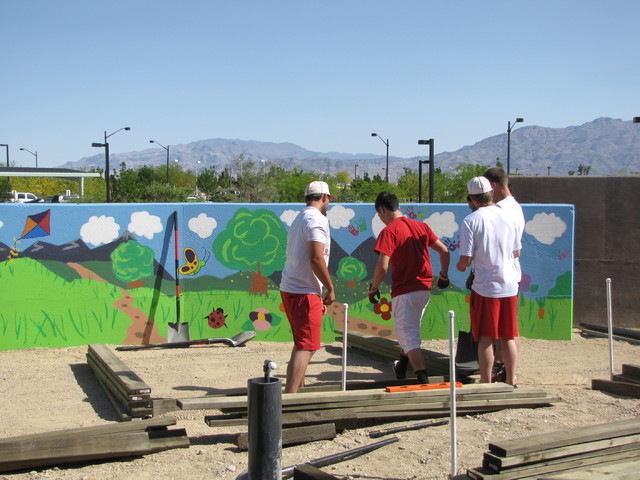 Youth volunteers paint a mural as part of the the Youth Neighborhood Association Partnership Program in Las Vegas in 2012. (Special to View)