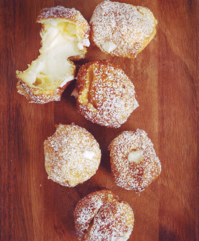Zeppole (Courtesy)