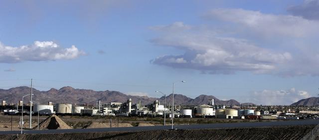 Industrial plants in Henderson Nevada February 28, 2007. (JOHN GURZINSKI/LAS VEGAS REVIEW-JOURNAL