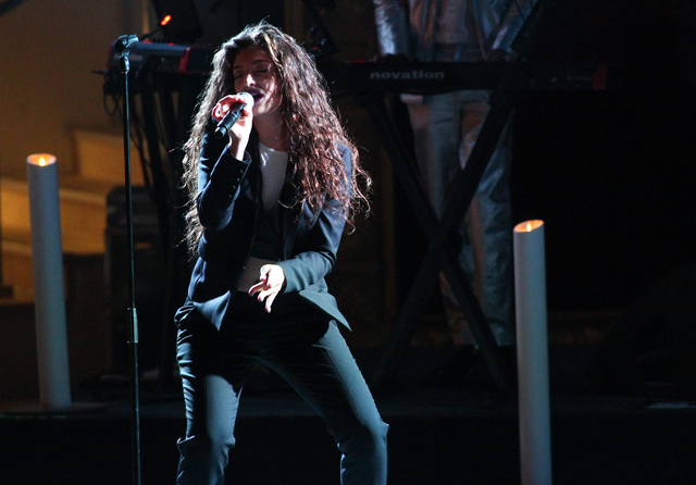 Lorde performed at the Boulevard Pool at The Cosmopolitan of Las Vegas on April 15. (Chase Stevens/Las Vegas Review-Journal)