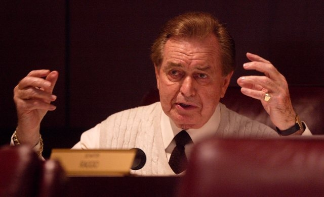 Senate Majority Leader Bill Raggio, R-Reno, asks a question about K-12 funding during a subcommittee meeting in the Legislative Building in Carson City in 2003. Raggio served in the state Senate f ...