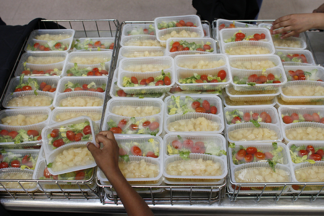 An average of 9,716 students participated daily in the summer food service program during summer 2013. (John Locher/Las Vegas Review-Journal)