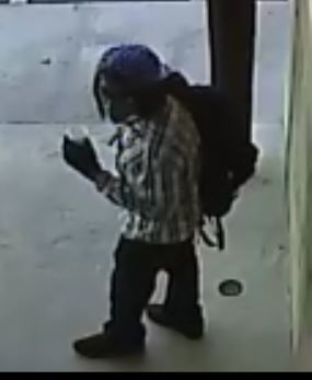 """A suspect in a Tuesday jewelry store robbery is shown. The suspect is described as a black male, between 20-30 years old, between 5'9"""" to 6'2"""" and thin in build. (Courtesy Las Vegas Metropolitan P ..."""