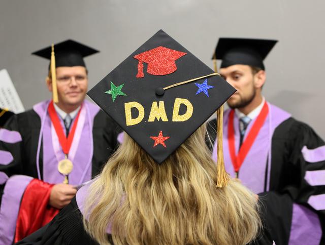 Pomp, circumstance and # at UNLV graduation – Las Vegas Review-Journal