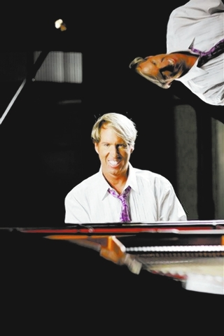 Pianist Danny Wright returns to The Smith Center's Cabaret Jazz Sunday for a Mother's Day salute. (Courtesy)
