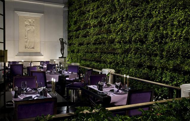 Terrace dining (Courtesy MGM Resorts International)