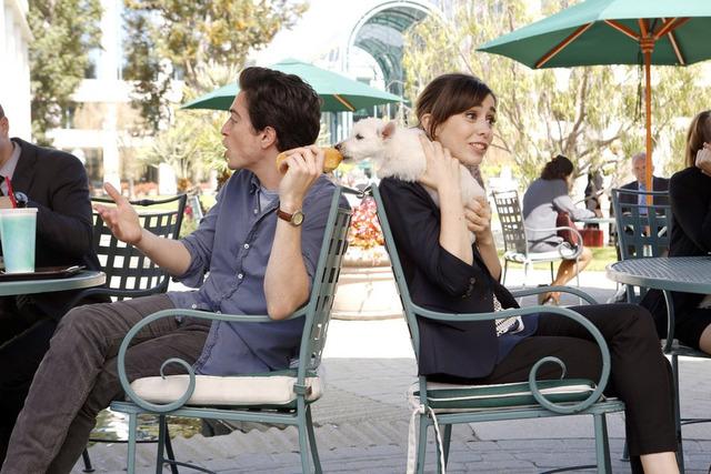 """A TO Z -- """"Pilot"""" -- Pictured: Ben Feldman as Andrew Lofland, Cristin Milioti as Zelda Vasco (Photo by: Trae Patton/NBC)"""