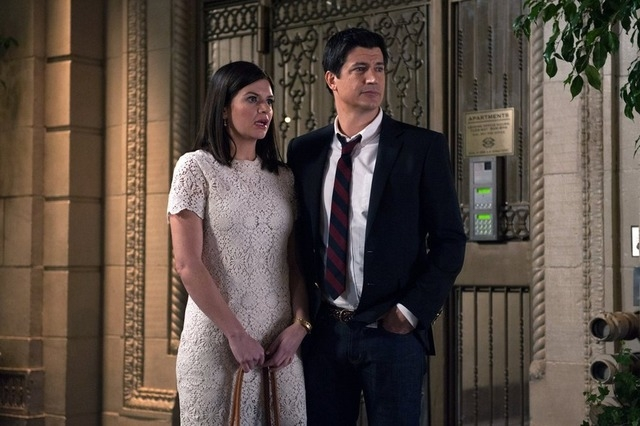 """MARRY ME -- """"Pilot"""" -- Pictured: Casey Wilson as Annie, Ken Marino as Jake (Photo by: Colleen Hayes/NBC)"""