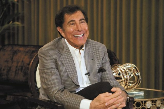 Casino mogul Steve Wynn talks to reporters in a Country Club villa at Wynn Las Vegas Wednesday, April 27, 2011. (K.M. CANNON/LAS VEGAS REVIEW-JOURNAL)