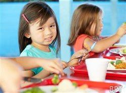 Why kids and nutritionists reject new school lunches