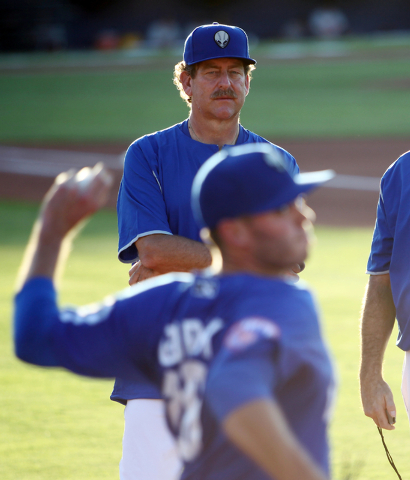 51s pitching coach Frank Viola, top, watches starting pitcher Darin Gorski warm up before a baseball game against the Fresno Grizzlies at Cashman Field on Friday, June 6, 2014.  (K.M. Cannon/Las V ...