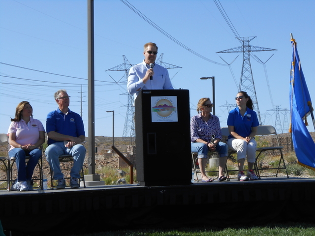 City officials hosted a grand opening ceremony of Mountain Lake Park. (Michael Lyle/ Las Vegas Review-Journal)