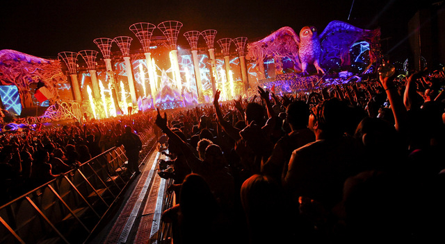 Steve Angello performs at the Kinetic Field stage at the Electric Daisy Carnival at the Las Vegas Motor Speedway in Las Vegas on Friday, June 20, 2014. (Chase Stevens/Las Vegas Review-Journal)