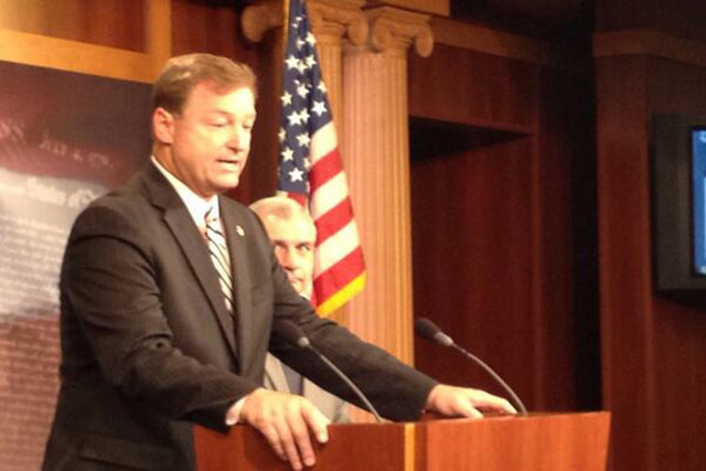Sens. Dean Heller, R-Nev., and Jack Reed, D-RI., on Tuesday explain new legislation to renew federal unemployment benefits. (Steve Tetreault/Stephens Washington Bureau)