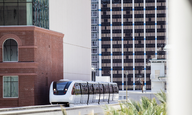 The Las Vegas Monorail heads north towards the Harrah's/The Quad stop in Las Vegas on Monday, May 19, 2014. (Chase Stevens/Las Vegas Review-Journal)