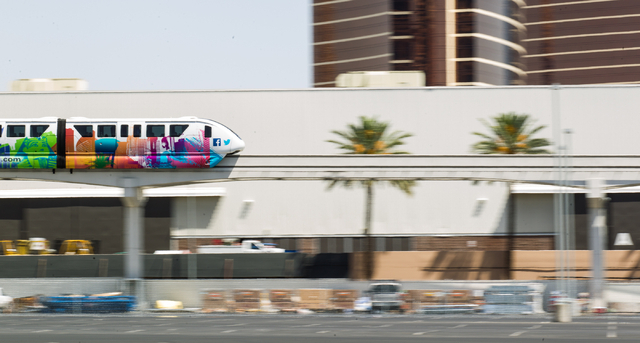 The Las Vegas Monorail heads north from the Harrah's/The Quad stop in Las Vegas on Monday, May 19, 2014. (Chase Stevens/Las Vegas Review-Journal)