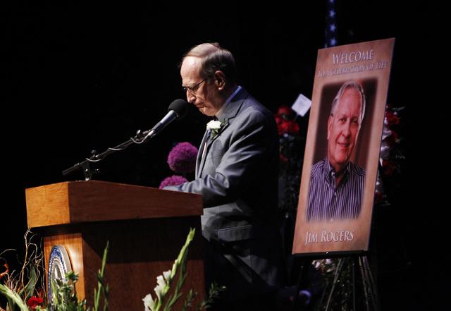 Senator Richard Bryan speaks during the memorial service for the late Jim Rogers at Ham Concert Hall at UNLV in Las Vegas on Saturday, June 21, 2014. (Jason Bean/Las Vegas Review-Journal)