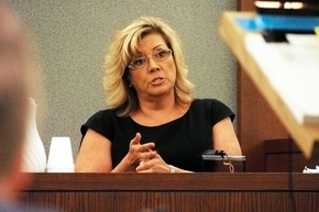 Tonya Rushing, the former clinic manager at the Endoscopy Center of Southern Nevada, testifies in the trial of Dr. Dipak Desai in this June 12, 2013, file photo. Rushing''s reference to a federal ...