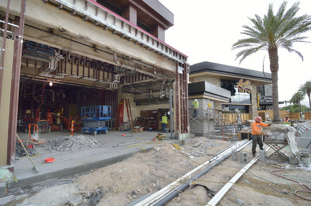 The exterior of the construction site for Hearthstone Kitchen and Cellar at the Red Rock Resort at 11011 W. Charleston Blvd. in Las Vegas is shown next to Lucille's Smokehouse Bar-B-Que on Thursda ...